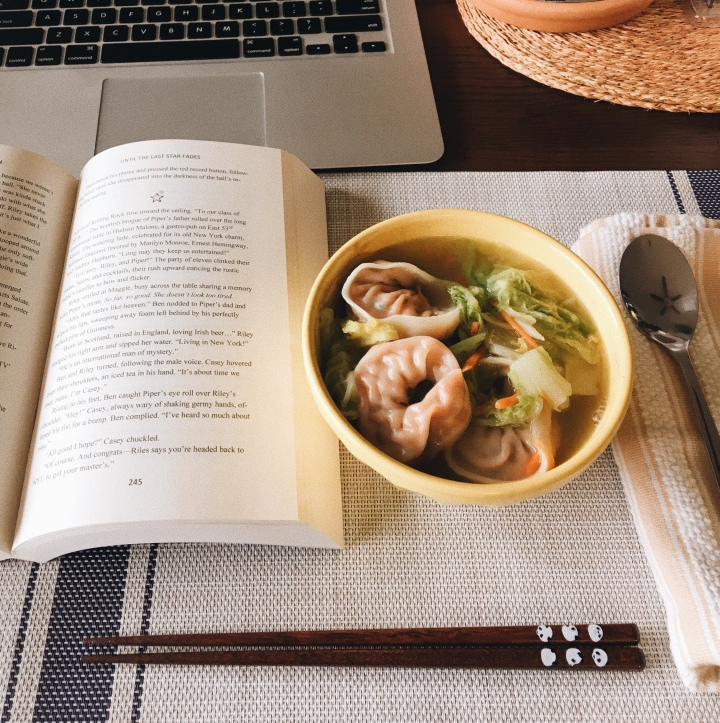 Literary Lunch – Wonton Cabbage Soup