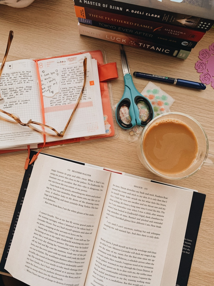 How to Support Indie Bookstores Without Breaking Your Book BuyingBan