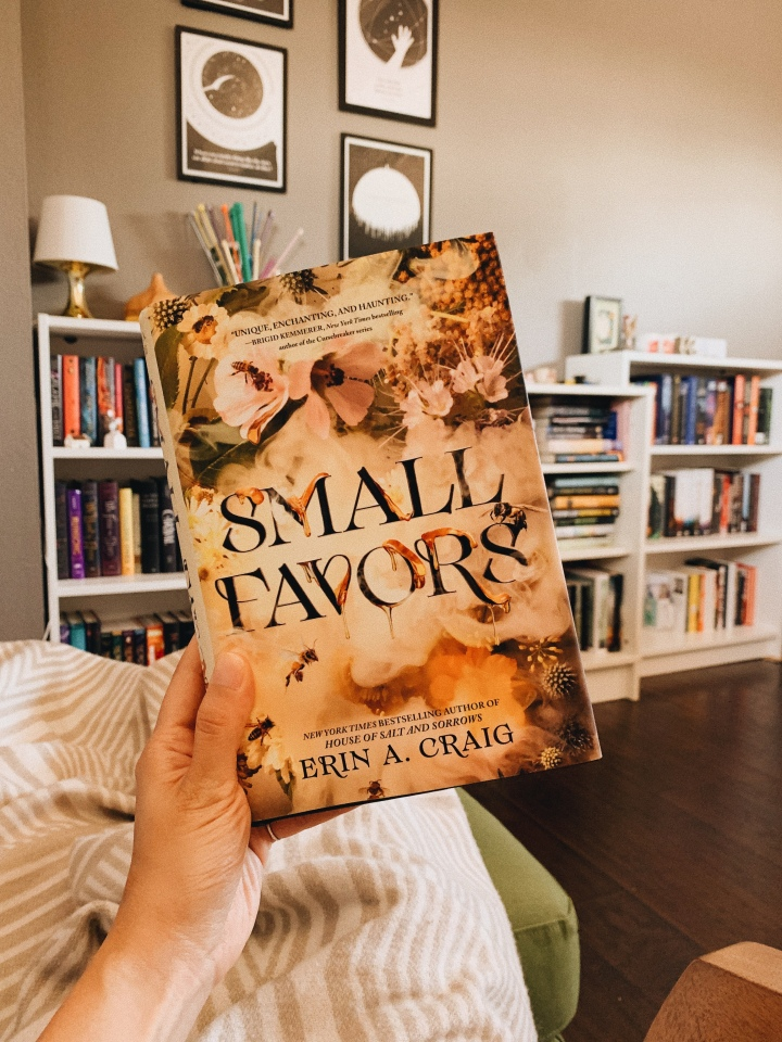 Small Favors by Erin A. Craig // BookReview