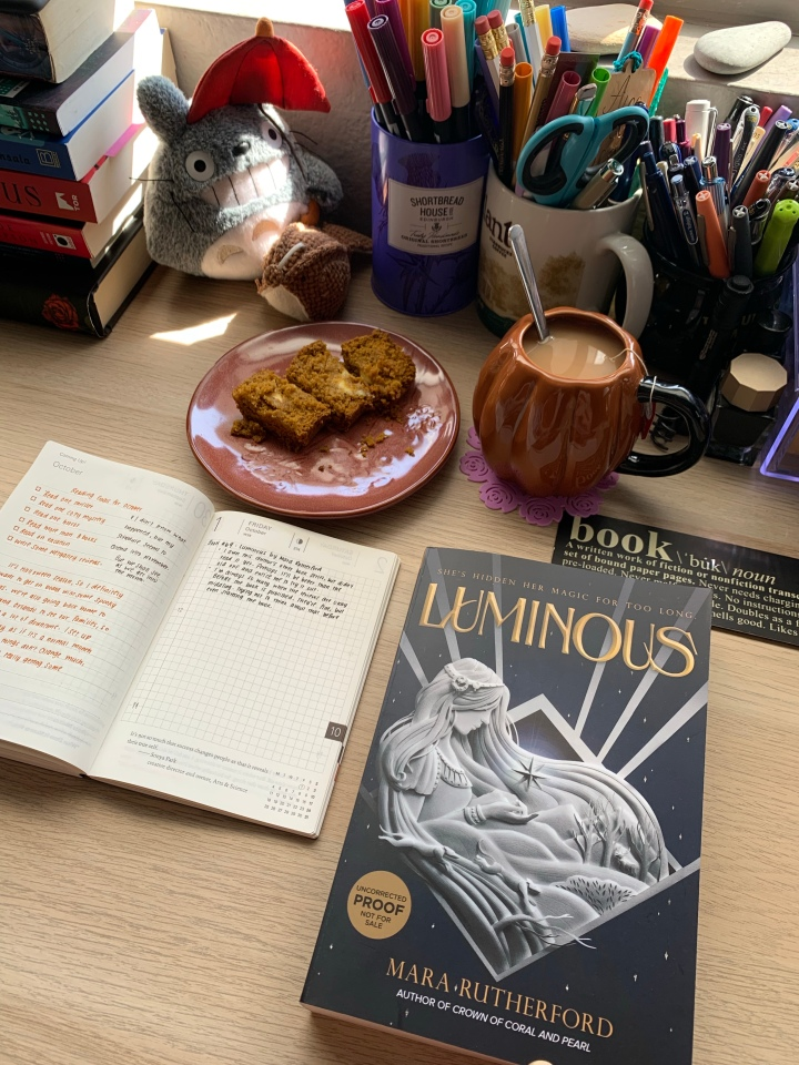 Luminous by Mara Rutherford // BookReview